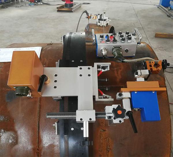 全方位管道焊接小车