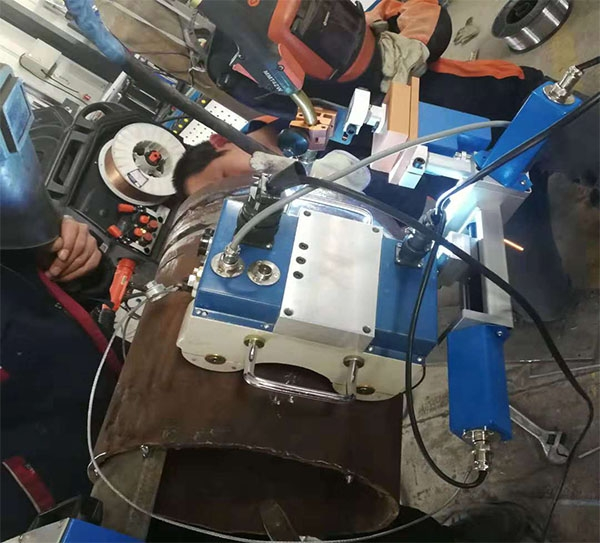 无轨管道焊接小车