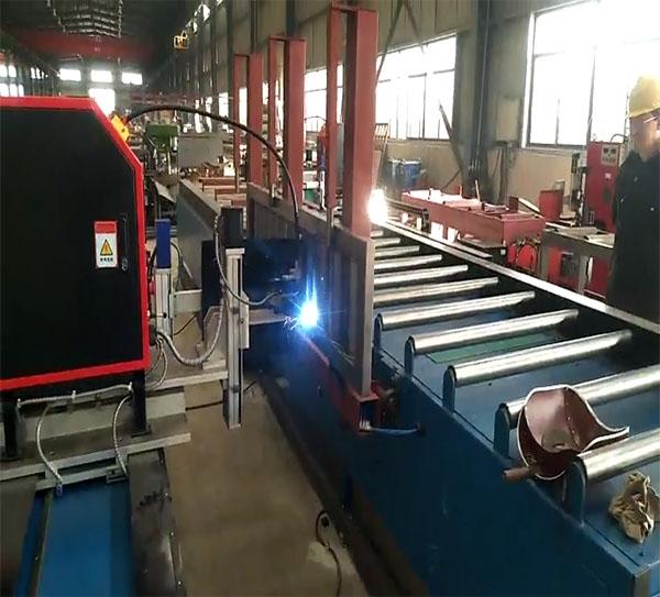 波纹腹板H型钢自动焊接机